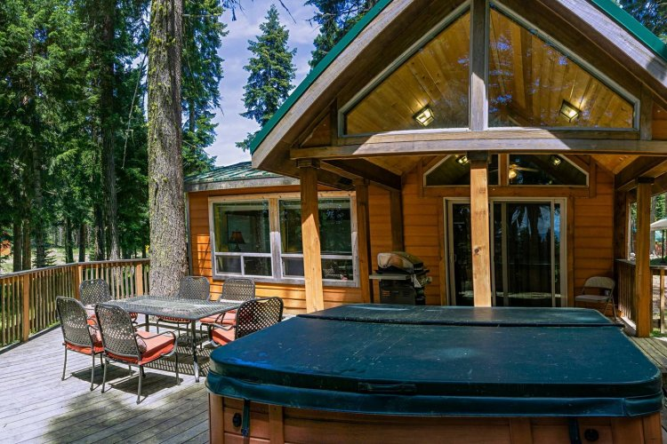 #39 & #40 Hyatt Lake Compound - Sleeps 12