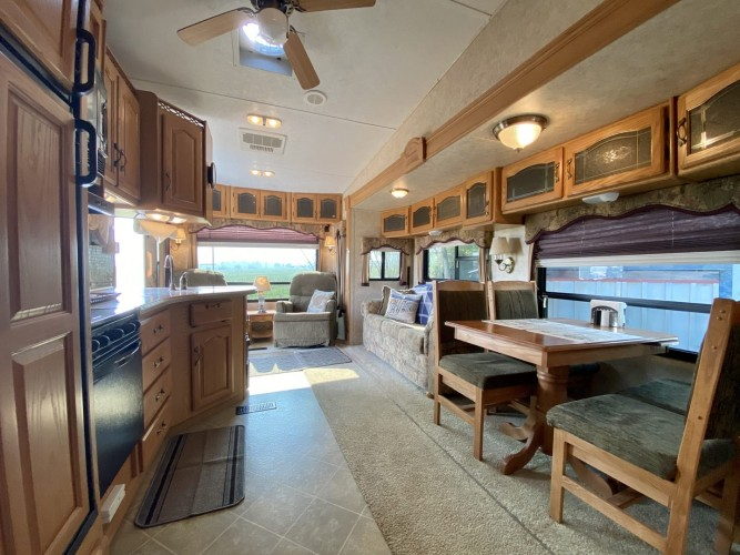 """Sky is the Limit"" 5th Wheel in Oregon's Wine Country"