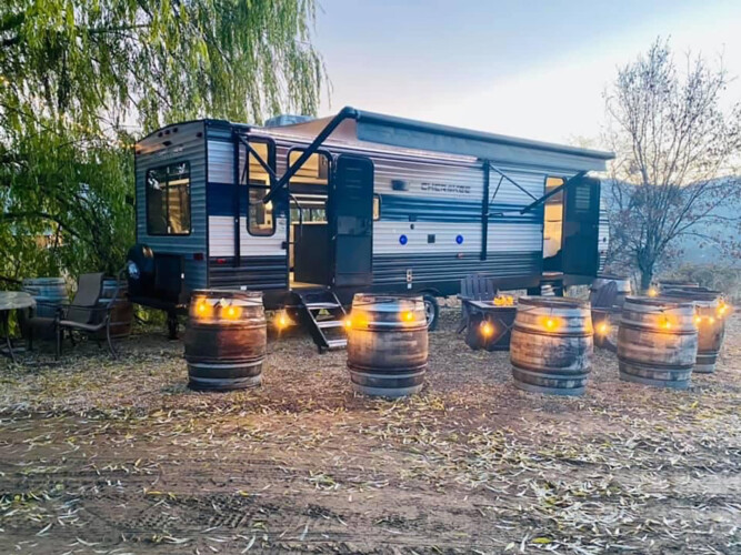 Glamping Compound at Paschal Winery ~ Sleeps 4 ~ Hot Tubs
